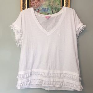New w/out 🏷 Lilly Pulitzer White Fringe tshirt